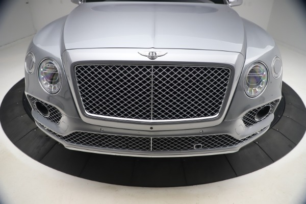 Used 2018 Bentley Bentayga W12 Signature Edition for sale $149,900 at Bugatti of Greenwich in Greenwich CT 06830 14