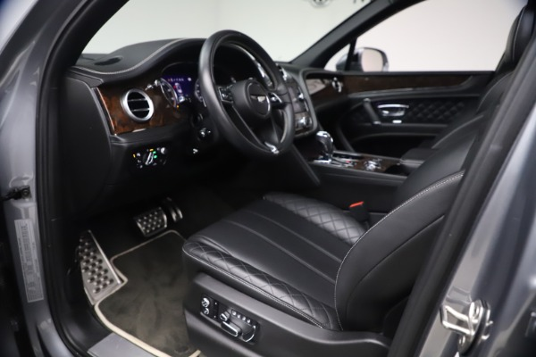 Used 2018 Bentley Bentayga W12 Signature Edition for sale $149,900 at Bugatti of Greenwich in Greenwich CT 06830 18