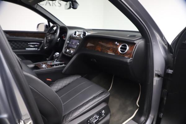 Used 2018 Bentley Bentayga W12 Signature for sale $154,900 at Bugatti of Greenwich in Greenwich CT 06830 26