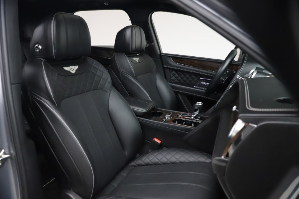 Used 2018 Bentley Bentayga W12 Signature for sale $154,900 at Bugatti of Greenwich in Greenwich CT 06830 28