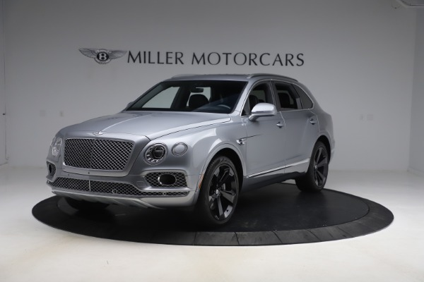 Used 2018 Bentley Bentayga W12 Signature Edition for sale $149,900 at Bugatti of Greenwich in Greenwich CT 06830 1