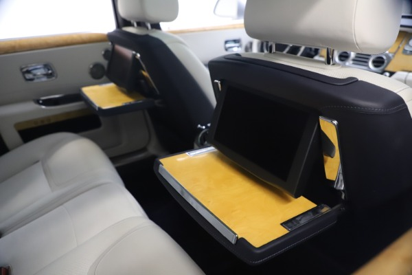 Used 2018 Rolls-Royce Ghost for sale $249,900 at Bugatti of Greenwich in Greenwich CT 06830 23