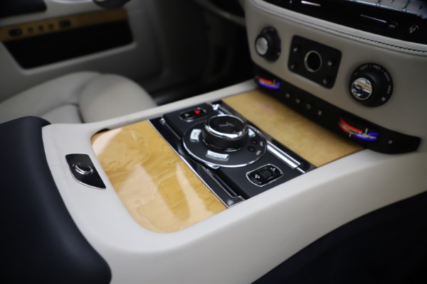 Used 2018 Rolls-Royce Ghost for sale $249,900 at Bugatti of Greenwich in Greenwich CT 06830 27