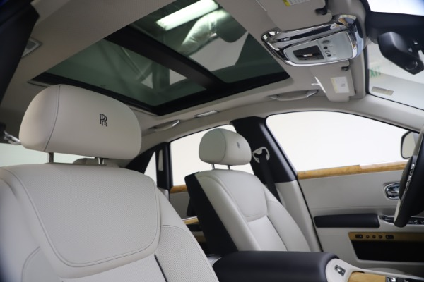 Used 2018 Rolls-Royce Ghost for sale $249,900 at Bugatti of Greenwich in Greenwich CT 06830 28