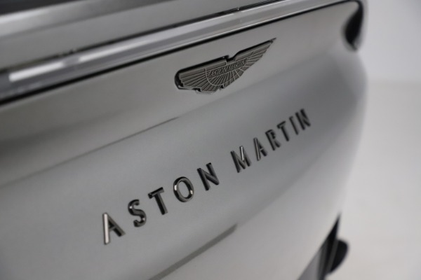 New 2021 Aston Martin DBX for sale $226,136 at Bugatti of Greenwich in Greenwich CT 06830 22