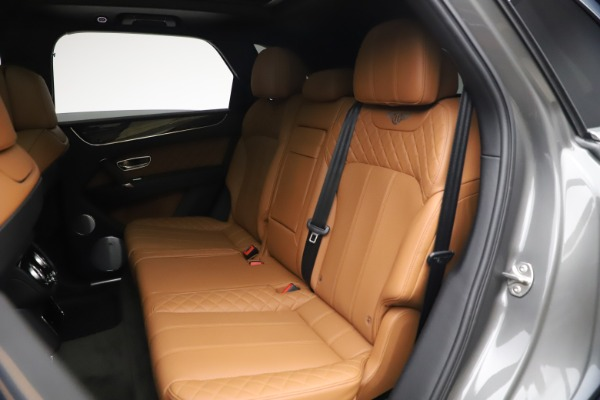 Used 2018 Bentley Bentayga W12 for sale $156,900 at Bugatti of Greenwich in Greenwich CT 06830 24