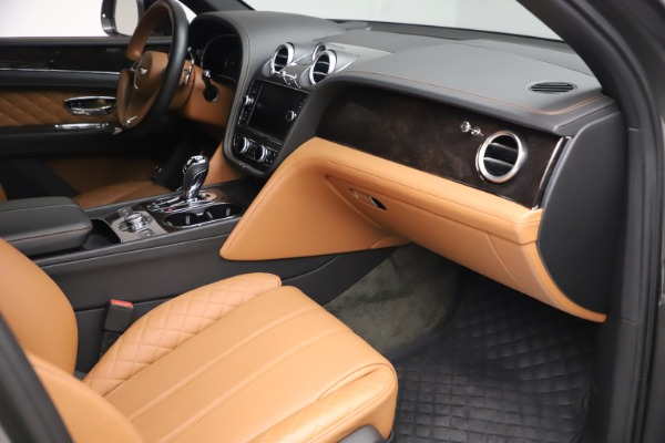 Used 2018 Bentley Bentayga W12 for sale $156,900 at Bugatti of Greenwich in Greenwich CT 06830 28