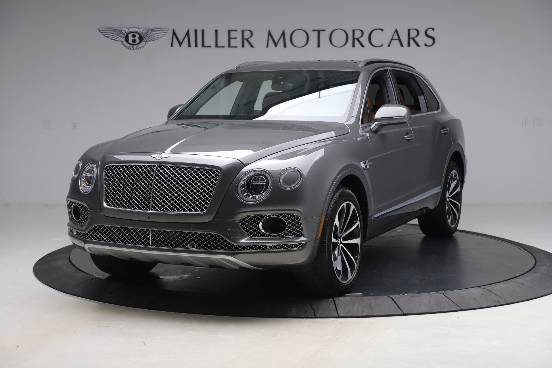 Used 2018 Bentley Bentayga W12 for sale $156,900 at Bugatti of Greenwich in Greenwich CT 06830 1