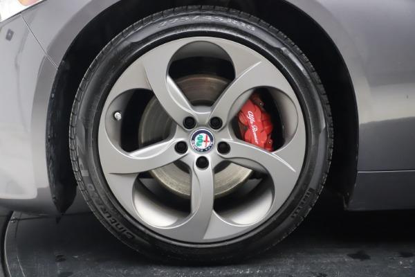 Used 2017 Alfa Romeo Giulia Ti Sport for sale $26,900 at Bugatti of Greenwich in Greenwich CT 06830 15