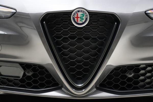 New 2021 Alfa Romeo Giulia Q4 for sale $48,035 at Bugatti of Greenwich in Greenwich CT 06830 13
