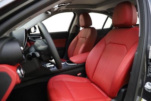 New 2021 Alfa Romeo Giulia Q4 for sale $48,035 at Bugatti of Greenwich in Greenwich CT 06830 15