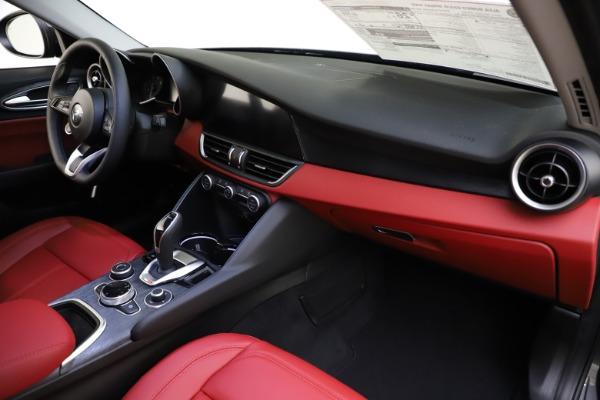 New 2021 Alfa Romeo Giulia Q4 for sale $48,035 at Bugatti of Greenwich in Greenwich CT 06830 24