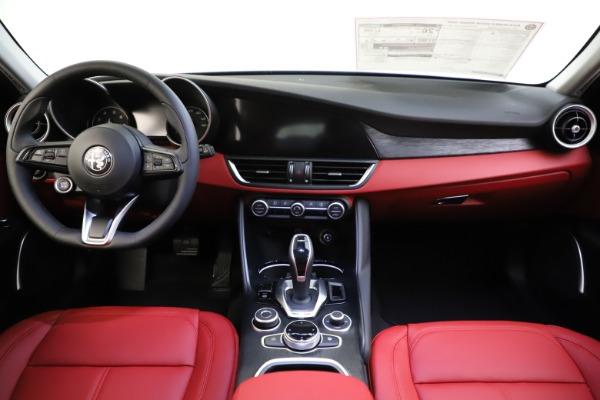 New 2021 Alfa Romeo Giulia Q4 for sale $48,035 at Bugatti of Greenwich in Greenwich CT 06830 28