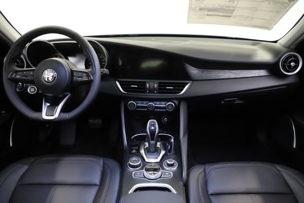New 2021 Alfa Romeo Giulia Q4 for sale $46,800 at Bugatti of Greenwich in Greenwich CT 06830 16