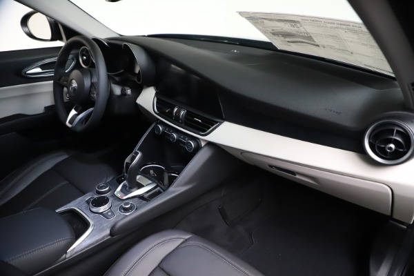 New 2021 Alfa Romeo Giulia Q4 for sale $45,140 at Bugatti of Greenwich in Greenwich CT 06830 22