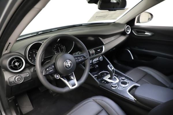 New 2021 Alfa Romeo Giulia Q4 for sale $47,085 at Bugatti of Greenwich in Greenwich CT 06830 12
