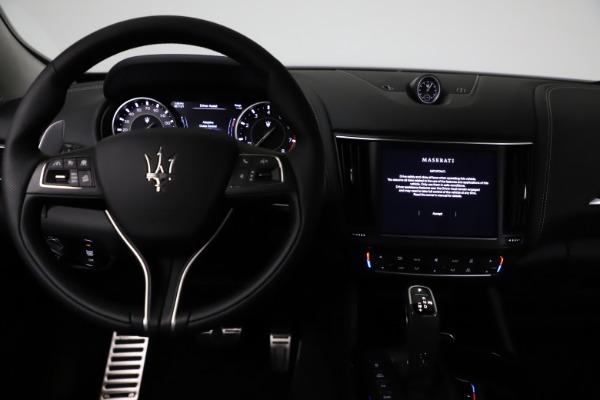 New 2021 Maserati Levante Q4 GranSport for sale $93,585 at Bugatti of Greenwich in Greenwich CT 06830 16