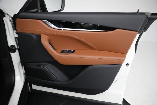 New 2021 Maserati Levante Q4 for sale $85,625 at Bugatti of Greenwich in Greenwich CT 06830 24