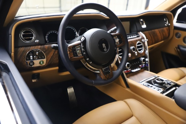 Used 2019 Rolls-Royce Cullinan for sale Sold at Bugatti of Greenwich in Greenwich CT 06830 16