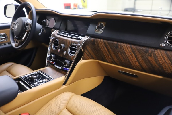 Used 2019 Rolls-Royce Cullinan for sale Sold at Bugatti of Greenwich in Greenwich CT 06830 17