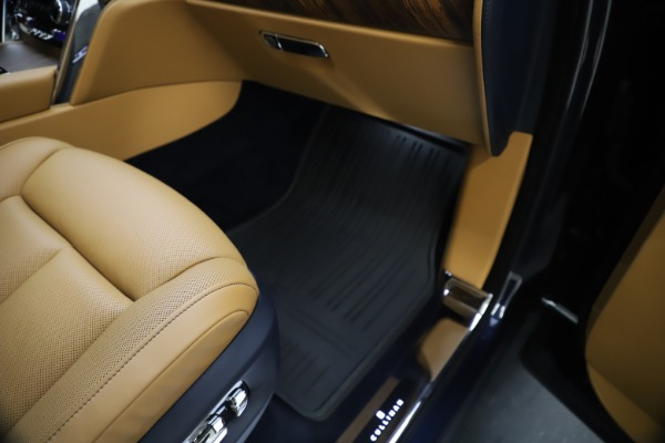 Used 2019 Rolls-Royce Cullinan for sale Sold at Bugatti of Greenwich in Greenwich CT 06830 28