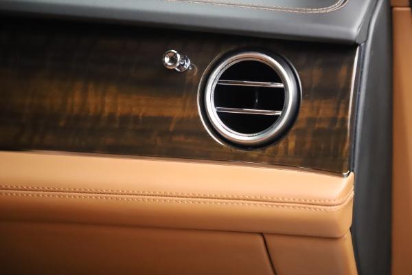 Used 2018 Bentley Bentayga Onyx Edition for sale $144,900 at Bugatti of Greenwich in Greenwich CT 06830 26