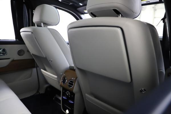 Used 2019 Rolls-Royce Cullinan for sale $349,900 at Bugatti of Greenwich in Greenwich CT 06830 20
