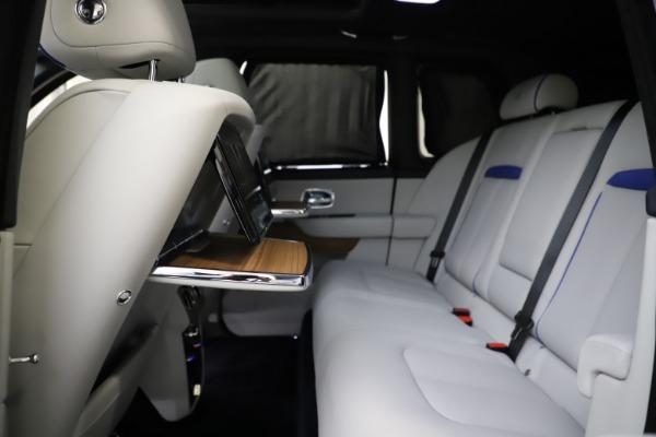 Used 2019 Rolls-Royce Cullinan for sale $349,900 at Bugatti of Greenwich in Greenwich CT 06830 27