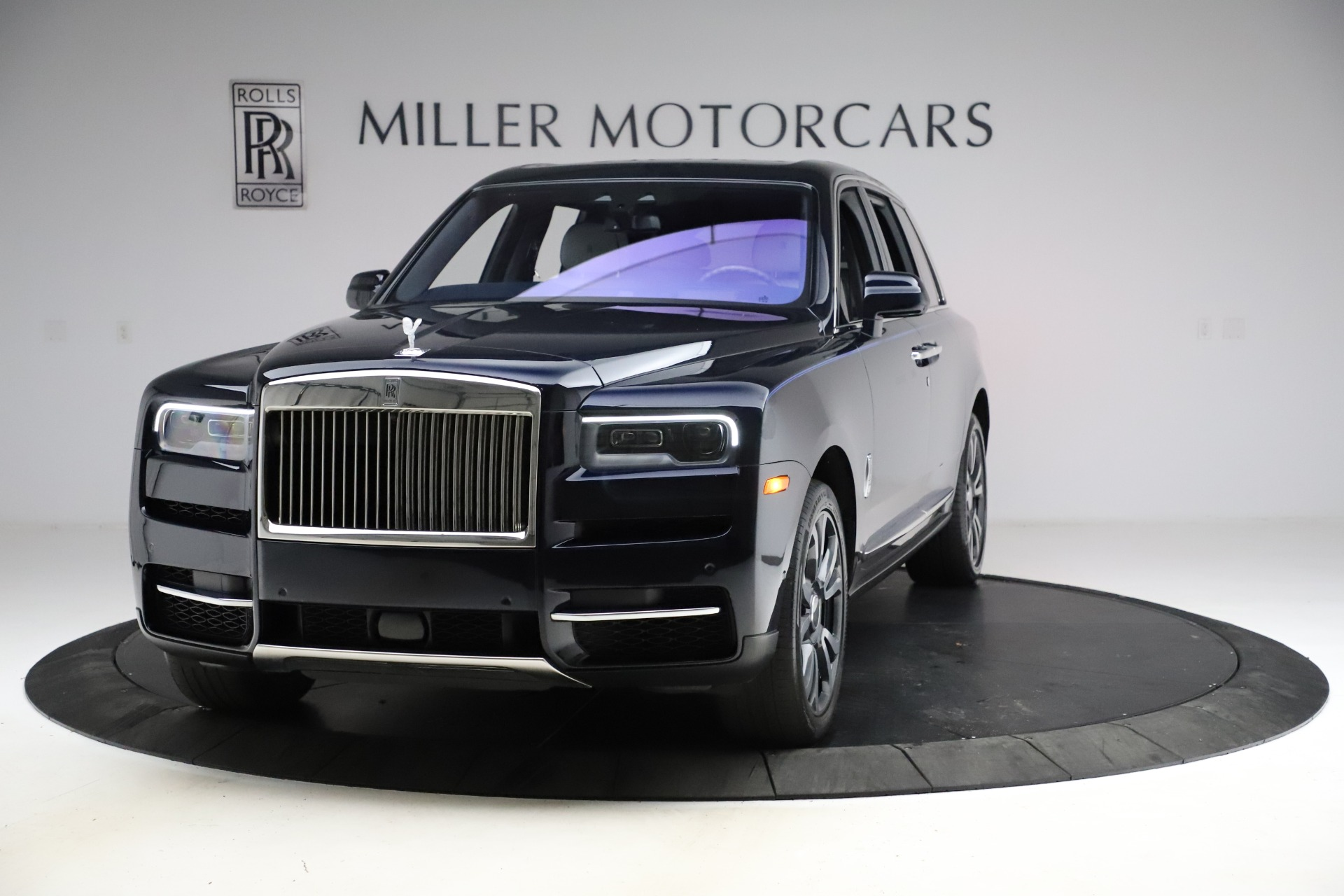 Used 2019 Rolls-Royce Cullinan for sale $349,900 at Bugatti of Greenwich in Greenwich CT 06830 1