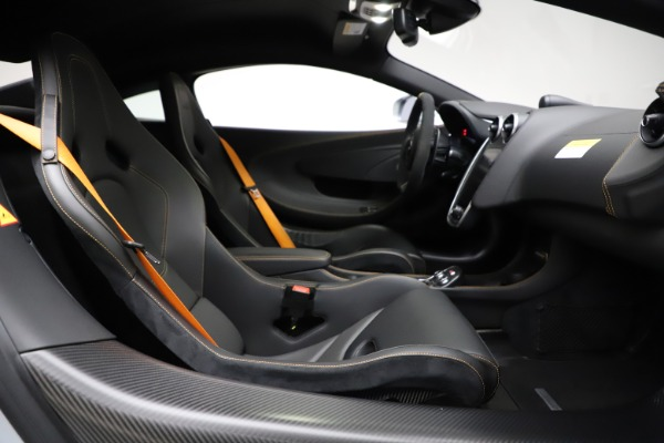 Used 2019 McLaren 600LT for sale $223,900 at Bugatti of Greenwich in Greenwich CT 06830 20