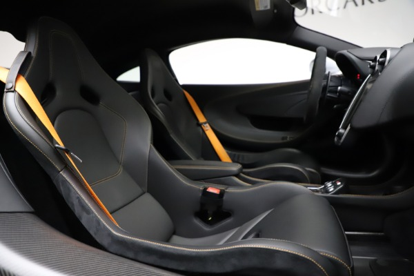 Used 2019 McLaren 600LT for sale $223,900 at Bugatti of Greenwich in Greenwich CT 06830 21