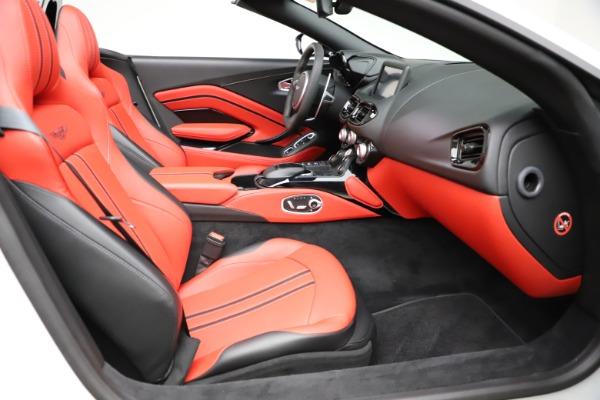 New 2021 Aston Martin Vantage Roadster Convertible for sale $189,186 at Bugatti of Greenwich in Greenwich CT 06830 19