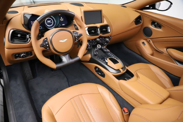 New 2021 Aston Martin Vantage Roadster Convertible for sale $205,686 at Bugatti of Greenwich in Greenwich CT 06830 13