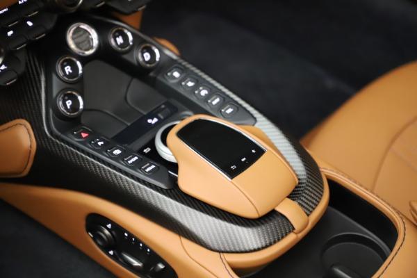 New 2021 Aston Martin Vantage Roadster Convertible for sale $205,686 at Bugatti of Greenwich in Greenwich CT 06830 18