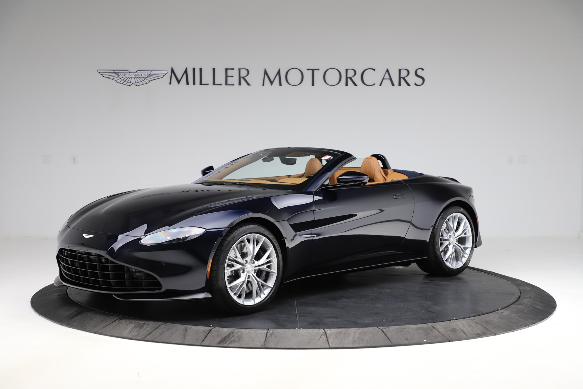 New 2021 Aston Martin Vantage Roadster Convertible for sale $205,686 at Bugatti of Greenwich in Greenwich CT 06830 1