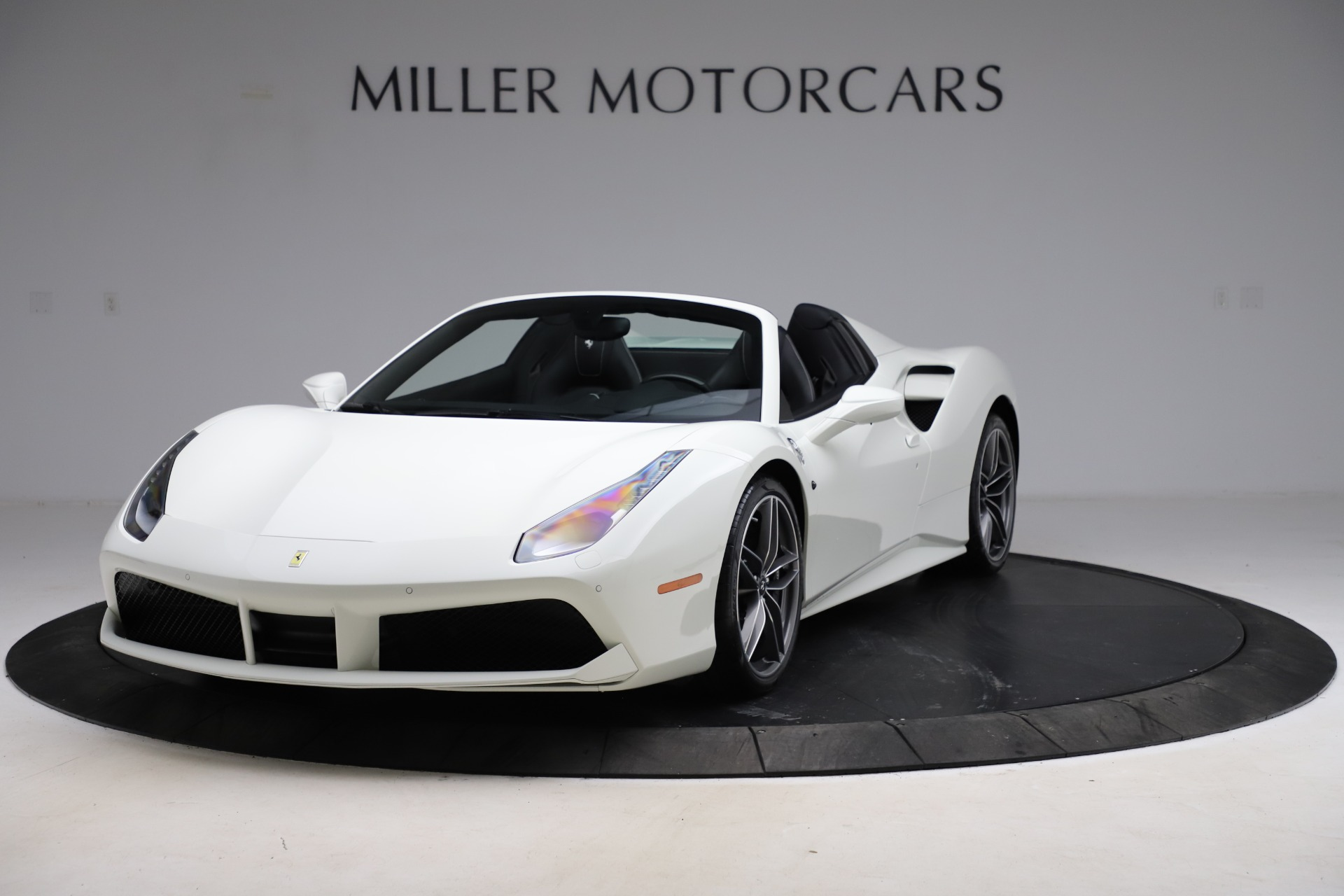 Used 2017 Ferrari 488 Spider for sale $284,900 at Bugatti of Greenwich in Greenwich CT 06830 1