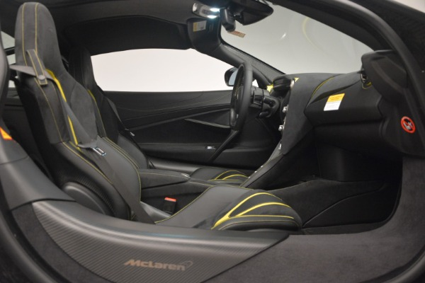 Used 2018 McLaren 720S Performance for sale $234,900 at Bugatti of Greenwich in Greenwich CT 06830 22