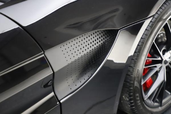 New 2021 Aston Martin Vantage Roadster Convertible for sale $189,186 at Bugatti of Greenwich in Greenwich CT 06830 22