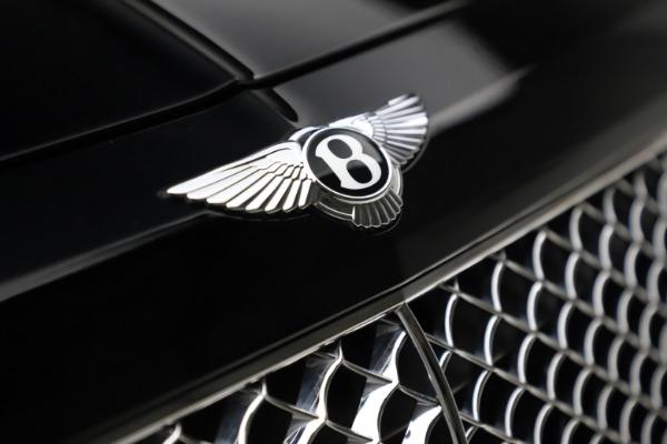 Used 2018 Bentley Bentayga W12 Signature for sale $149,900 at Bugatti of Greenwich in Greenwich CT 06830 15