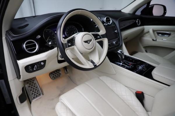 Used 2018 Bentley Bentayga W12 Signature for sale $149,900 at Bugatti of Greenwich in Greenwich CT 06830 18