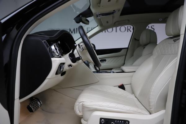 Used 2018 Bentley Bentayga W12 Signature for sale $149,900 at Bugatti of Greenwich in Greenwich CT 06830 19