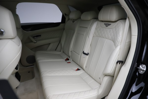 Used 2018 Bentley Bentayga W12 Signature for sale $149,900 at Bugatti of Greenwich in Greenwich CT 06830 24