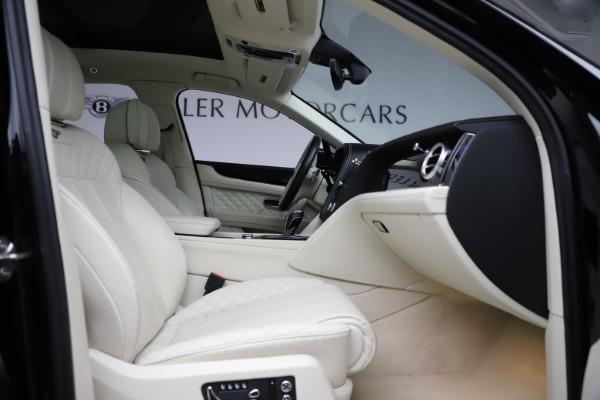 Used 2018 Bentley Bentayga W12 Signature for sale $149,900 at Bugatti of Greenwich in Greenwich CT 06830 27