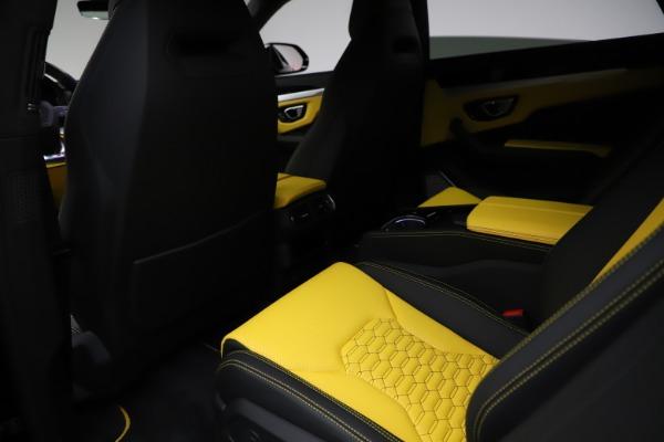 Used 2019 Lamborghini Urus for sale $249,900 at Bugatti of Greenwich in Greenwich CT 06830 18