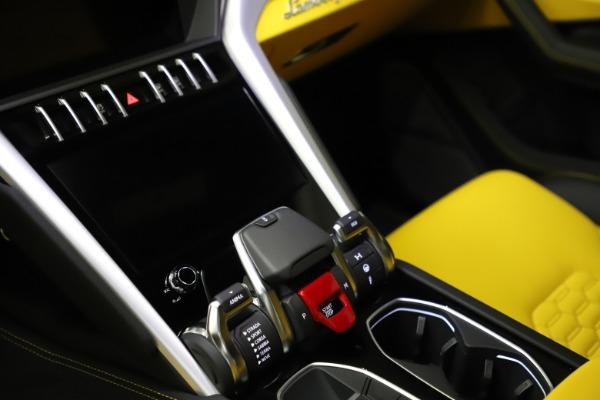 Used 2019 Lamborghini Urus for sale $249,900 at Bugatti of Greenwich in Greenwich CT 06830 21