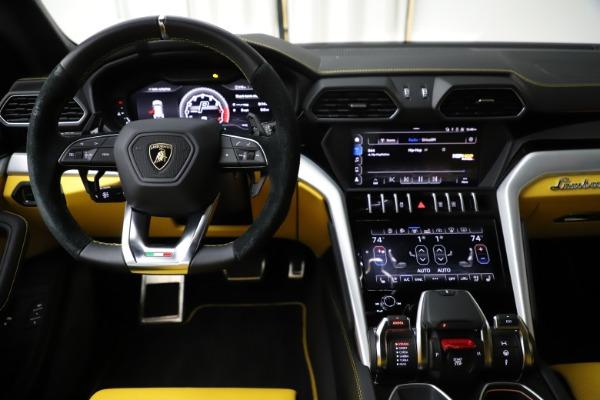 Used 2019 Lamborghini Urus for sale $249,900 at Bugatti of Greenwich in Greenwich CT 06830 23