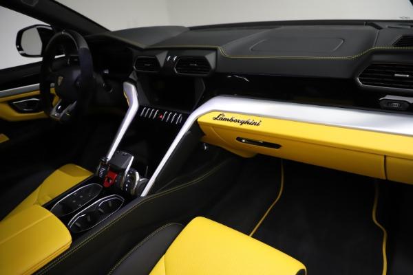 Used 2019 Lamborghini Urus for sale $249,900 at Bugatti of Greenwich in Greenwich CT 06830 24