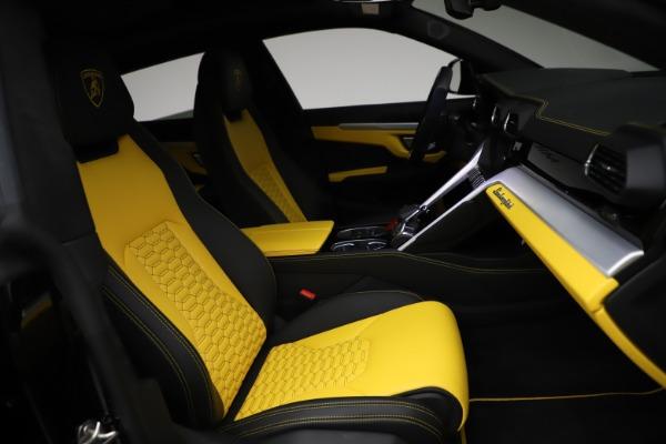 Used 2019 Lamborghini Urus for sale $249,900 at Bugatti of Greenwich in Greenwich CT 06830 25