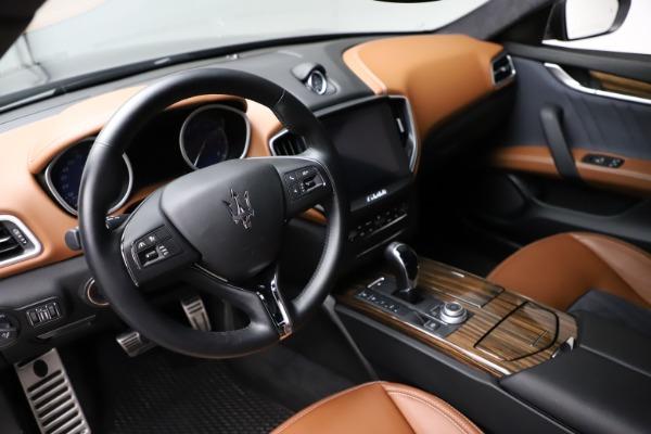 Used 2018 Maserati Ghibli SQ4 GranLusso for sale $51,900 at Bugatti of Greenwich in Greenwich CT 06830 13