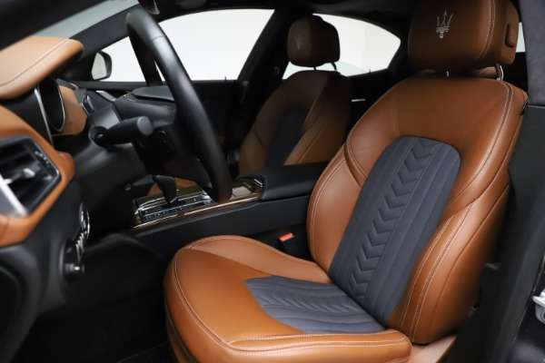 Used 2018 Maserati Ghibli SQ4 GranLusso for sale $51,900 at Bugatti of Greenwich in Greenwich CT 06830 15